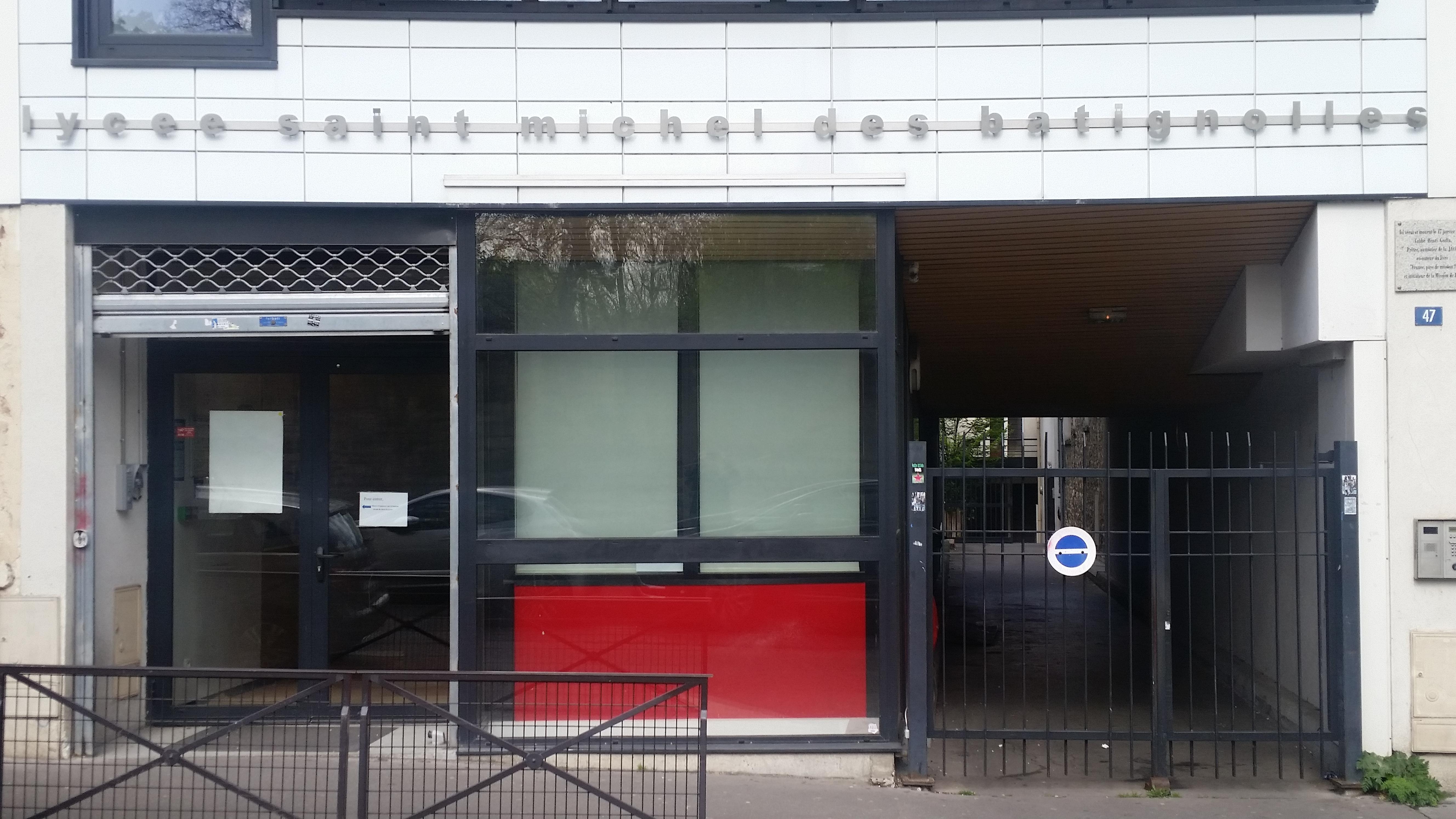 Entrée: 47 Rue Ganneron